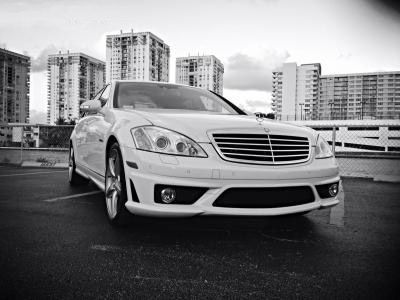 Rent luxury cars